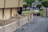 Les mur de l'extension du gymnase sont sortis de terre….
